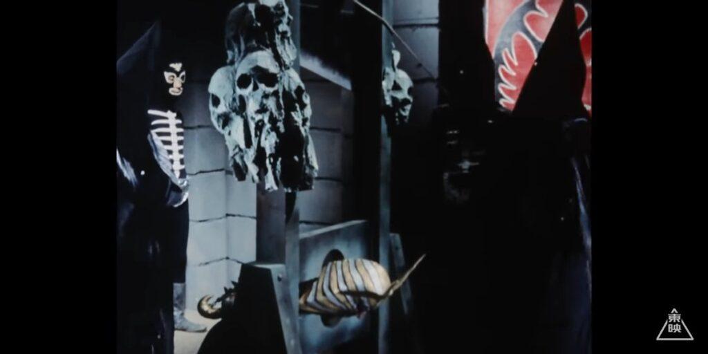 ギロチンで斬首する死刑