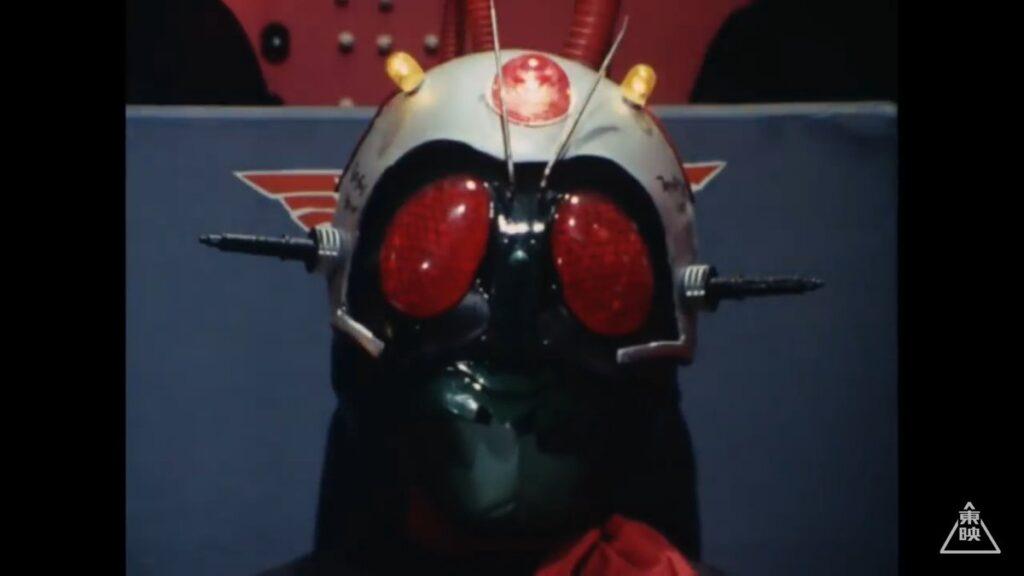 本郷は、ショッカーのアジトで、死神博士によって、脳波コントロールを施される。