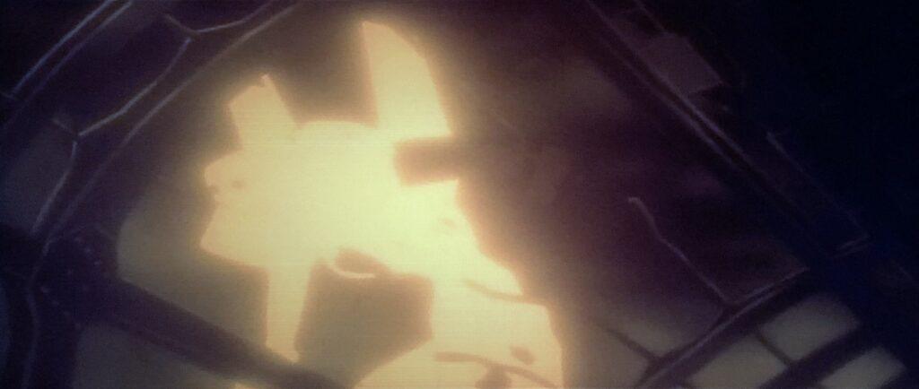 葛城ミサトは、最も近くで1体の光の巨人を目撃した。