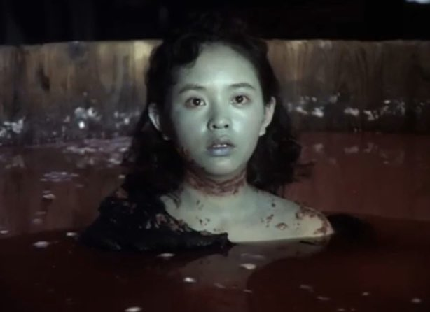 1977年『悪魔の手毬唄』の本物の幽霊のような文子の死に様はミステリー映画史に残る伝説のトラウマシーン