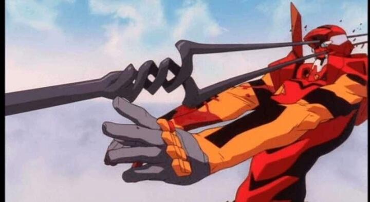 「ロンギヌスの槍!?」弐号機の頭部がロンギヌスの槍に貫かれる…