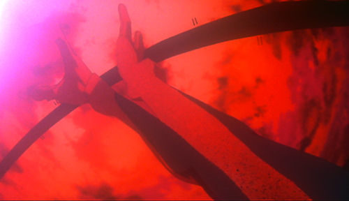 「アスカの腕が引き裂かれる」演出は視聴者にトラウマを刻み付けた。