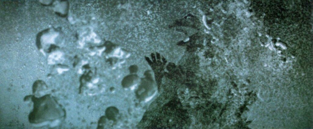 化学兵器オキシジェンデストロイヤーによって消滅したゴジラ