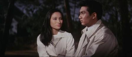 平田圭介「たった一人の兄貴も死んでしまったし…僕はもう独りぼっちだ」 カレン「一人じゃないわ…。」
