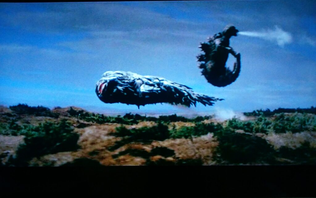 本作は「ゴジラが飛ぶ」というシーンが本編に挿入されている。