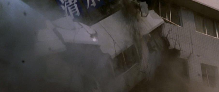 ゴジラは通り過ぎた、助かった…と油断させてからの、不意打ちの殺戮・恐怖演出。これはホラー映画ではよく使われる演出方法ですが、やはり心を折られてしまう。