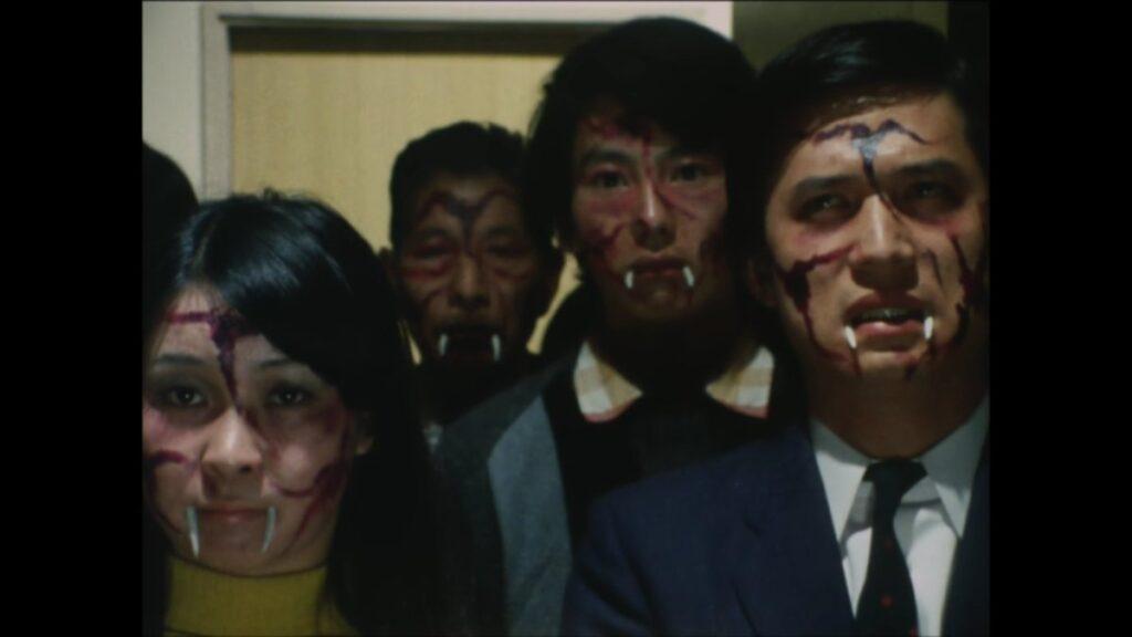 山野美穂が居住していたマンション内は、ショッカーの新型ビールスの実験場と化していた。このビールスに感染した人々は吸血鬼化し、ショッカーの僕となり、他の人を襲って仲間の吸血鬼を増やしていく。