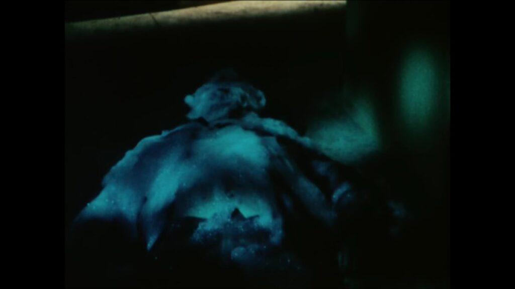 緑川ルリ子の父親の緑川博士は、蜘蛛男に蜘蛛の糸を絡まれ死亡。死体は泡となって消滅した。