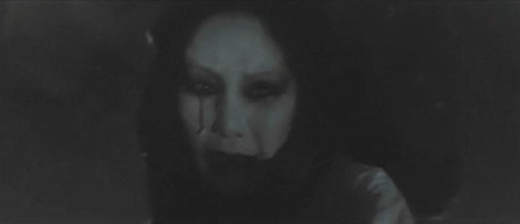 犯人であることを寺田辰弥(演:萩原健一)に知られた森美也子(演:小川真由美)は、般若面の形相になって辰弥を追い回して殺そうとする