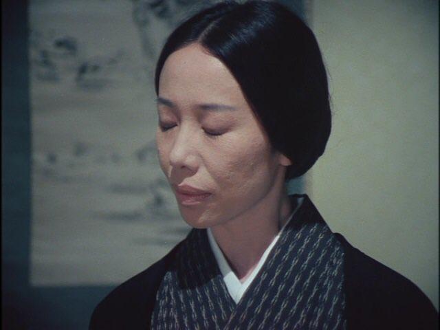 物を見ることはできない琴の師匠だが 、その分、ごく微妙な差異でさえも常人の数倍以上聴き分けてしまう。 琴の師匠は、松子婦人の今日の演奏はいつもと、どこかが少し違うことを感じていた。