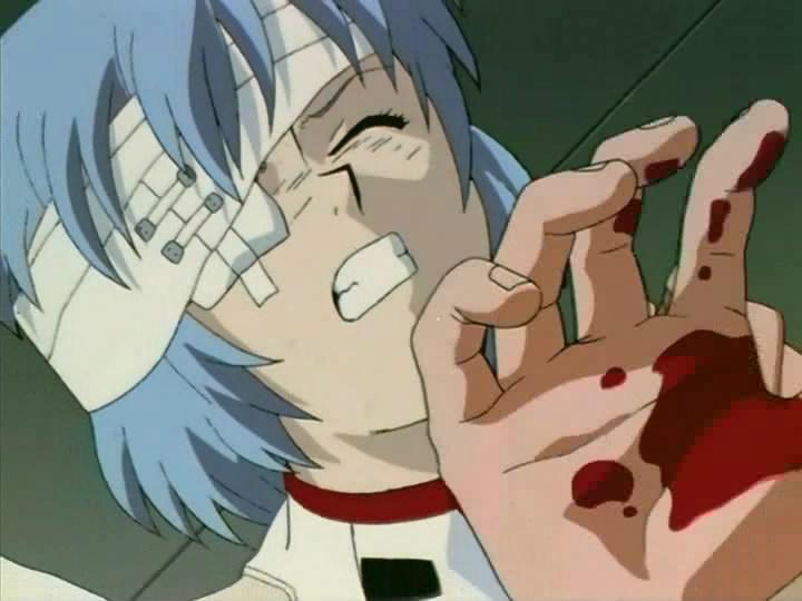 怪我を押して出撃しようとするレイ。血の滲んだ包帯姿という衝撃的な姿で初登場した綾波レイ(第1話)