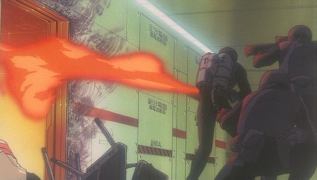 火炎放射機を人に向かって使う残酷描写。焼かれるネルフ職員の悲鳴はトラウマ必至。ゼーレはNERVの他支部、次いで日本政府を動かし、戦略自衛隊(戦自)を使ったNERV本部の武力占拠を開始する。