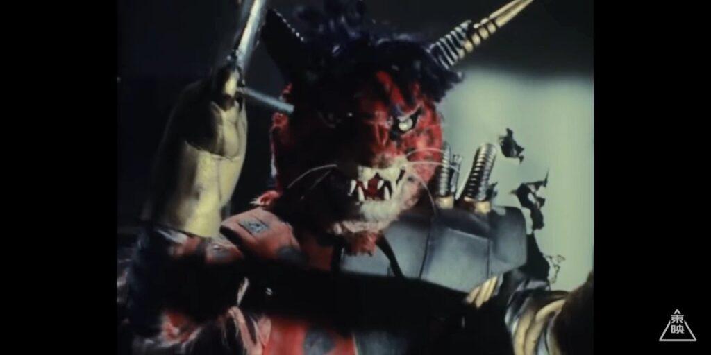 ハサミジャガーは、珠純子を匿っていた風見家を襲撃、その際に志郎の家族を惨殺し、純子も殺害しようとする。
