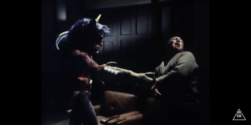 風見志郎「父さん!!」 いきなり、ハサミジャガーのハサミが風見達治さんを刺す。