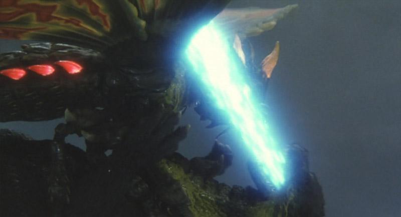 ゴジラの放射熱戦を受けてバトラは絶命しながらもゴジラと共に海中に墜落する。