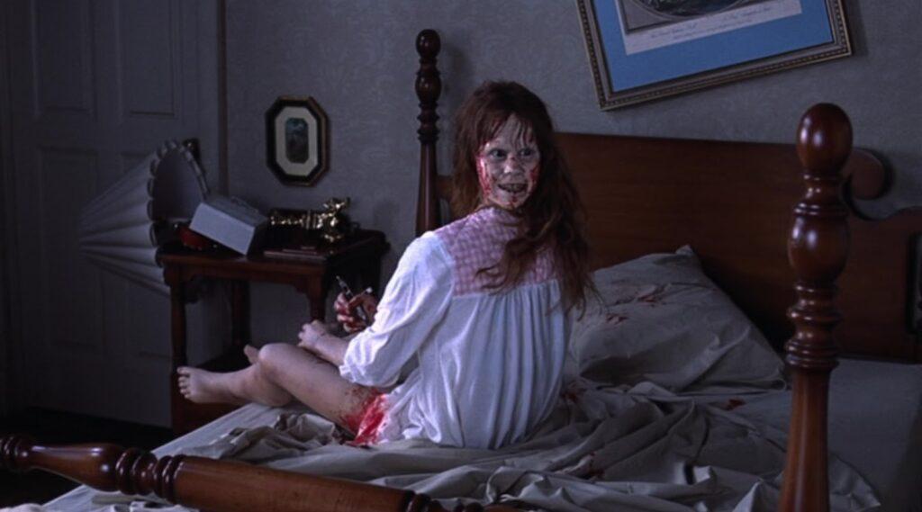 悪魔に取り憑かれた娘・12歳の少女リーガン・マク二ールの伝説の首180度回転など、一生忘れられない恐怖のトラウマ映像の宝庫。