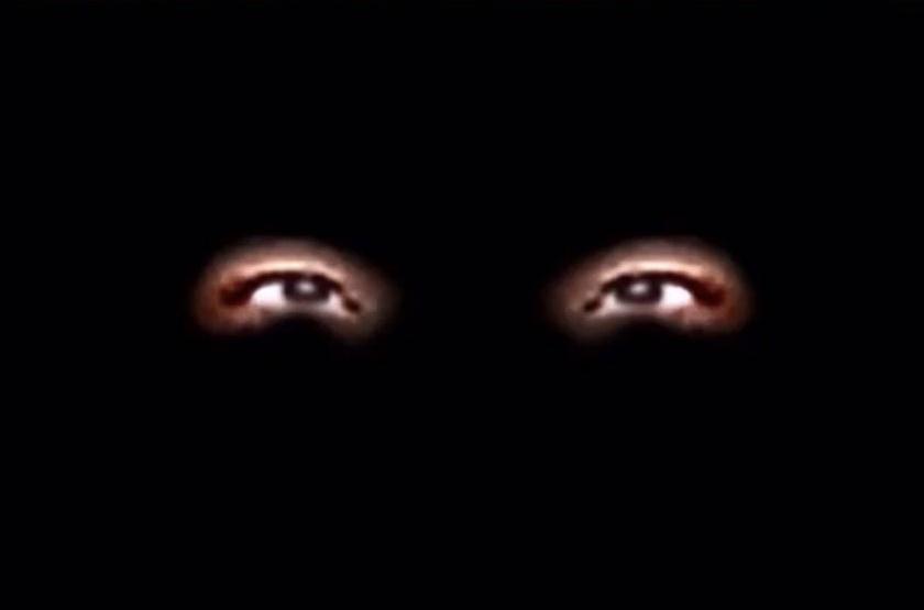 """実写の""""目""""による恐怖演出"""