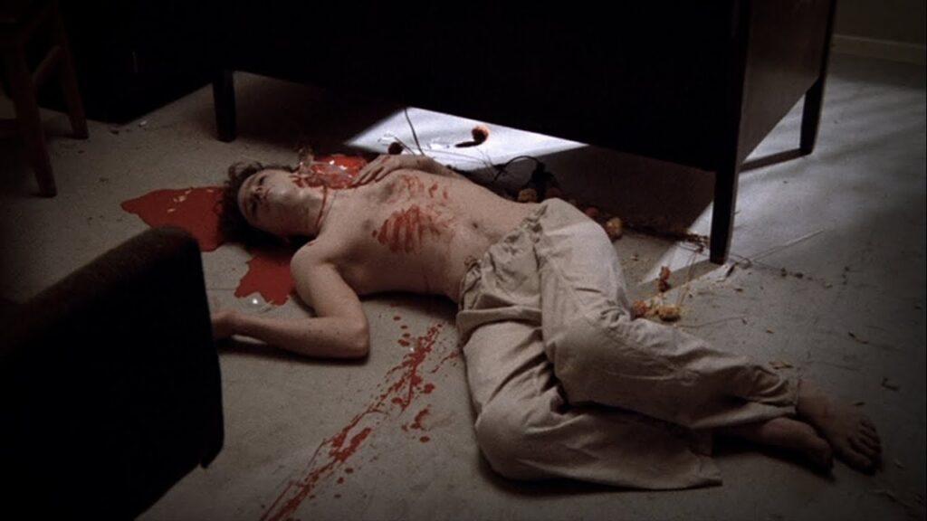 ラチェッドに、全裸でキャンディと寝ているところを目撃され攻められたビリーが自殺する。