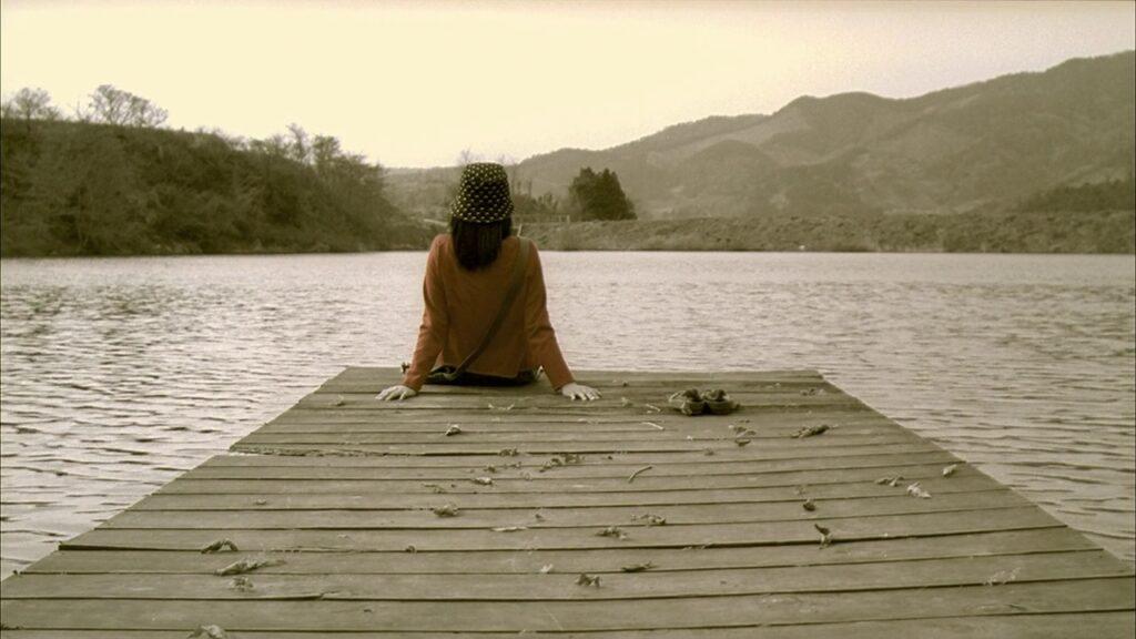 序盤で描かれたスミとスヨンの二人で和んでいた船着き場のシーンも、当然、本当はスミ一人だけでした…というラストシーンで物語は幕を閉じる。