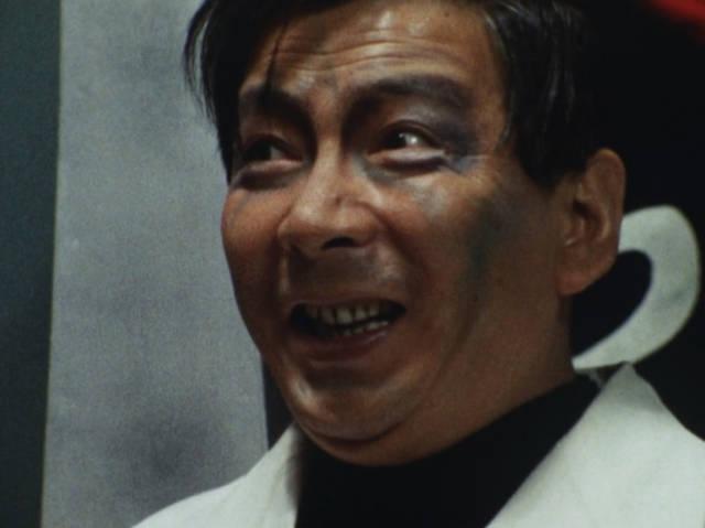 狂い虫に刺されて気が狂ったオジサン「ヒヒヒヒヒ! 俺は無敵の戦士だ! 不死身の戦士だ! 殺して殺しまくる!」