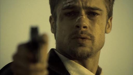 逆上したミルズはサマセットの制止を無視してジョンを射殺する。6番目の「ENVY(嫉妬)」はジョン自身、7番目の「WRATH(憤怒)」はミルズのことだったのだ。