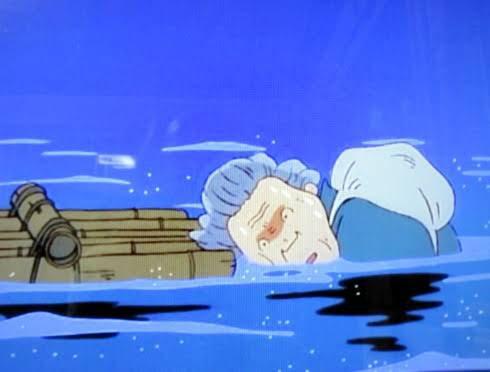 満身創痍の老婆が海に落ちてサメの餌食に…